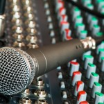 microphone-626032_1280